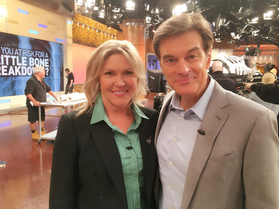 Dr Oz with Sue Ward on set_Sue Ward