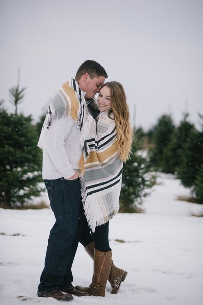 Minnesota-snow-winter-engagement-photo_0156