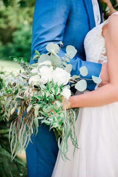 Simple wedding day flowers