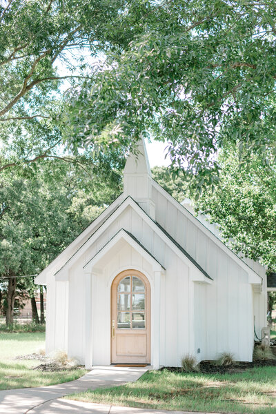 Texas white wedding chapel