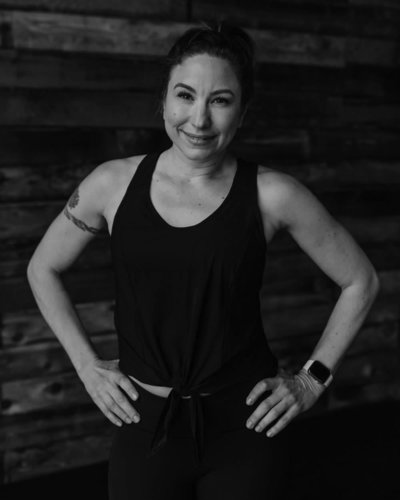 mary-puyallup-yoga-vie-athletics-100-BW