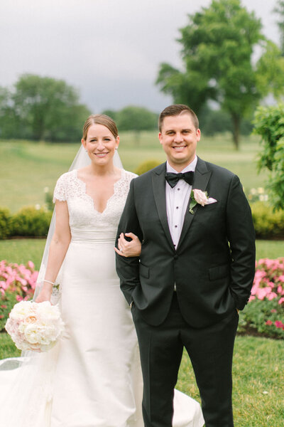 bride-and-groom-at-westmoreland-country-club-wilmette