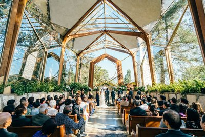 wedding ceremony at wayfarers chapel