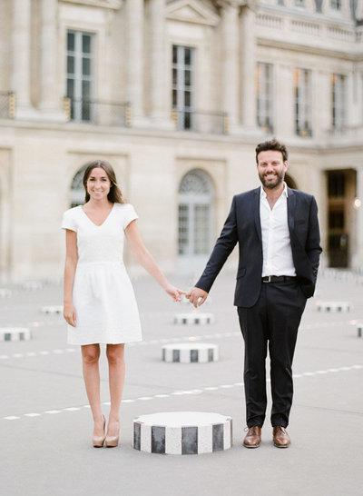 palais-royal-paris-engagement-photographer-jeanni-dunagan-9
