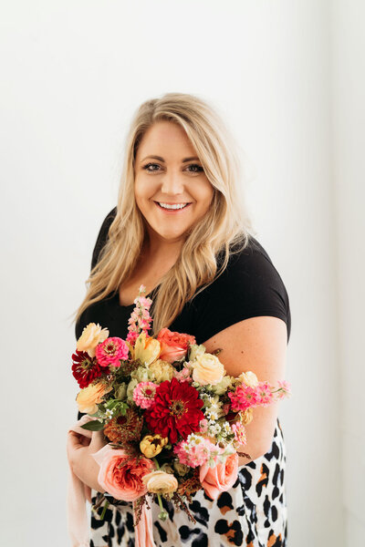 Megan holding a bouquet