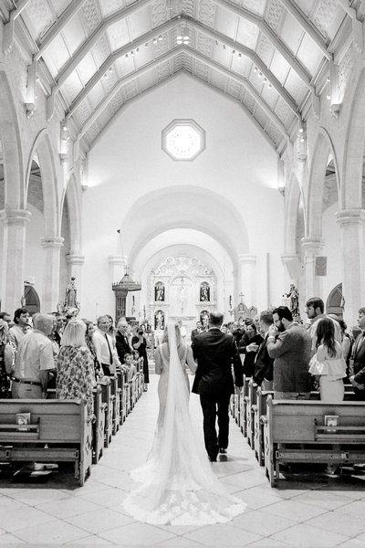 Wedding at San Fernando Cathedral, the Oldest Catholic Church in Texas