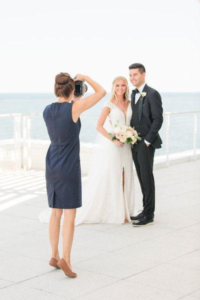 discovery-world-milwaukee-lakefront-wedding-Katie-schubert-wisconsin-wedding-photographer-2