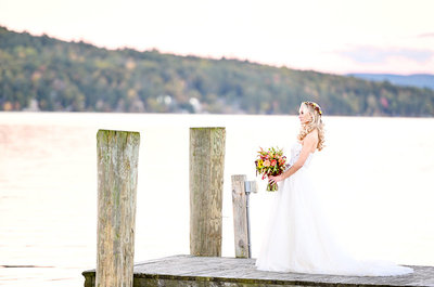 bridal portrait on Lake Winnipesaukee