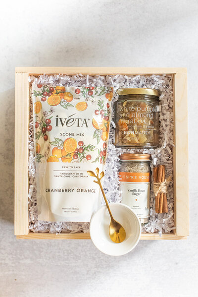 Thanksgiving- Gift-Box-Gather-Lavender-and-Pine