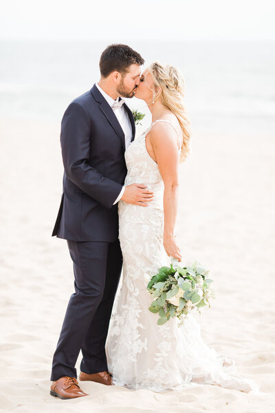bride-and-groom-portraits-on-beach2