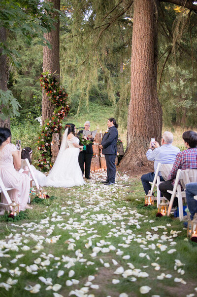 Seattle-Wedding-Photographer-And-Videographer-intimate-evergreen-meadows-1