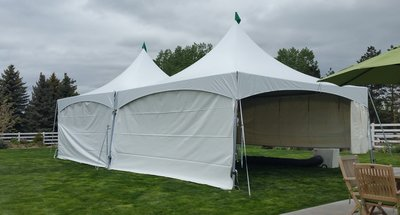 20x20-marquee-tents-with-white-walls