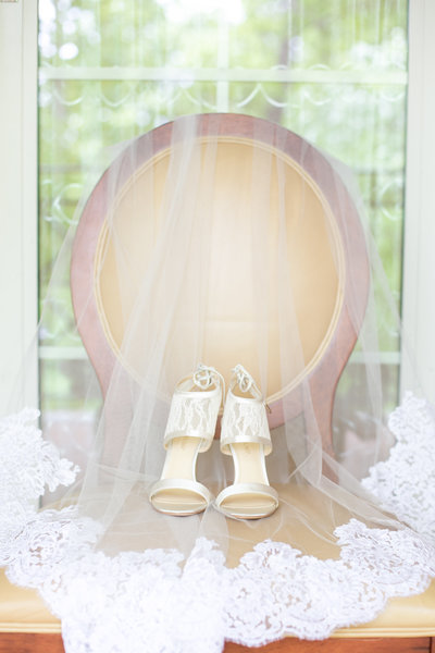 Alisson-and-Joey-Wedding-Bridal-Details-7