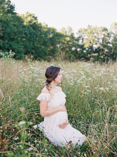 Michela Watson Photography Michela Brooke Photography Natural Organic Timeless Simple Feminine Fine Art Film Maternity Pregnancy Motherhood Ivy Rose Barn-43