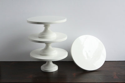 01033_Circle White Cake Stands