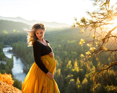 Maternity session Cle Elum Suncadia