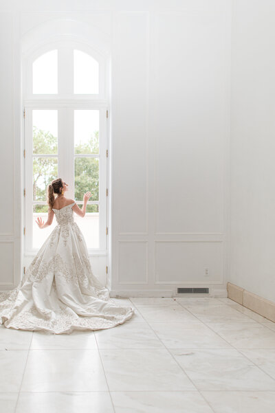 destination-wedding-photographers-chateau-cocomar-lucy-and-lee-3