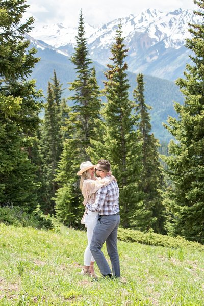 Surprise proposal in the mountains