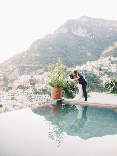 Positano-wedding-villa-San-Giacomo-bride-and-groom-portraits-by-Julia-Kaptelova-Photography-315