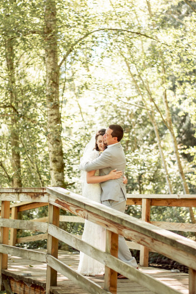 Modern Garden Wedding in Port Orchard, WA with blue and gray