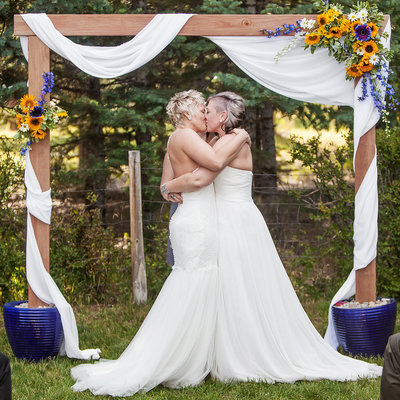 Featured-Same-Sex-Backyard-Conifer-CO-Wedding