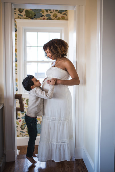 boston maternity photographer mom with toddler