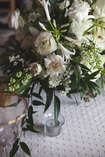 heavenmcarthur-summerRobbins-flowers-wedding1-216-webRes