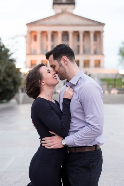 War-Memorial-Auditorium-Downtown-Nashville-City-Engagement-Session-Nashville-Wedding-Photographer+2
