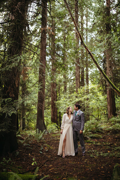 wedding couple in the woods near seattle