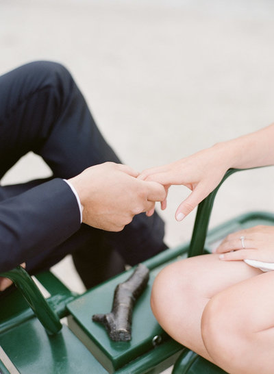 palais-royal-paris-engagement-photographer-jeanni-dunagan-25