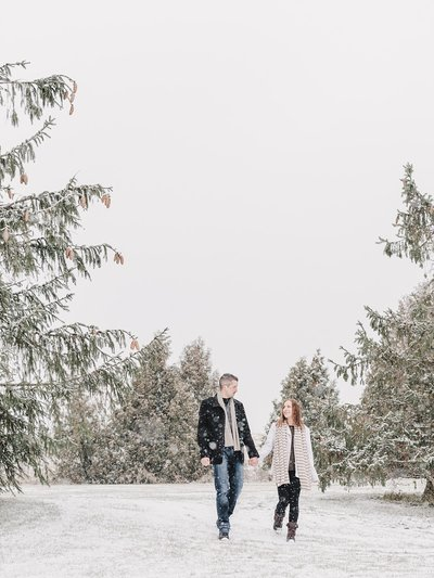 romantic_snowy_engagement_session_ontario