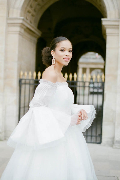 editorial-fashion-bridal-wedding-photo-louvre-musé-paris-france-gabriella-vanstern-9
