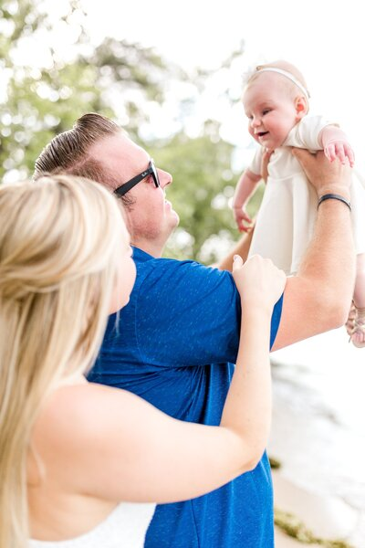 lake-minnetonka-baby-sand-family-pictures-excelsior-beach-Minnesota_0004
