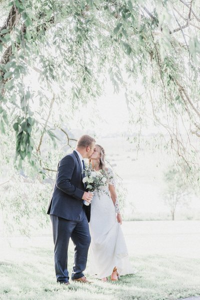 jonathan-emily-boho-wedding-at-old-mill-farm_0278