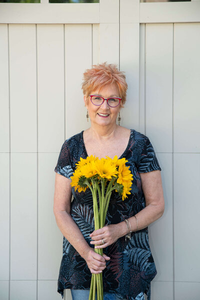 Positively Jane is a women's lifestyle blogger and an over 60 blogger for women. Women's Blog. Robin Bish 199