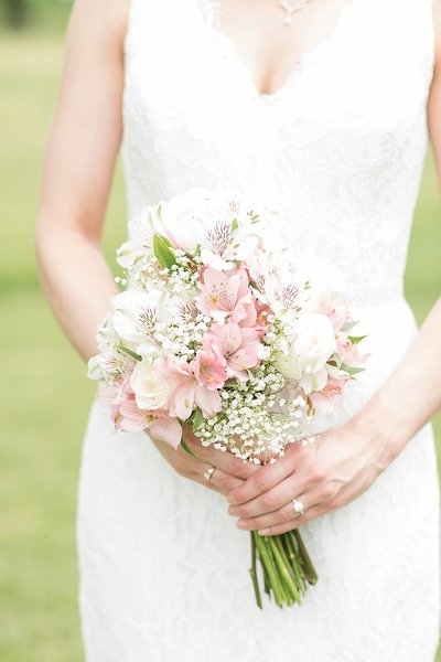 1912-barn-niantic-bridal-bouquet