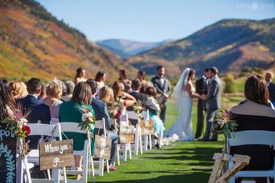 Beautiful-Fall-Color-Colorado-Mountain-Wedding-Ceremony-Frost-Creek-Club