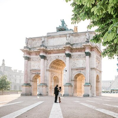 paris-couple-arch