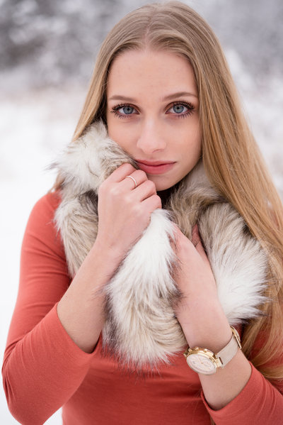 senior picture in winter snow