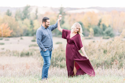 traverse-city-michigan-fall-engagement-photography-19