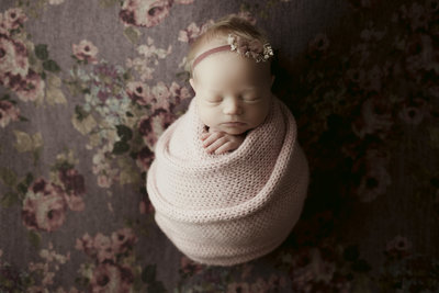 Austin, Texas Newborn Baby Photographer | Newborn Baby Girl Photoshoot