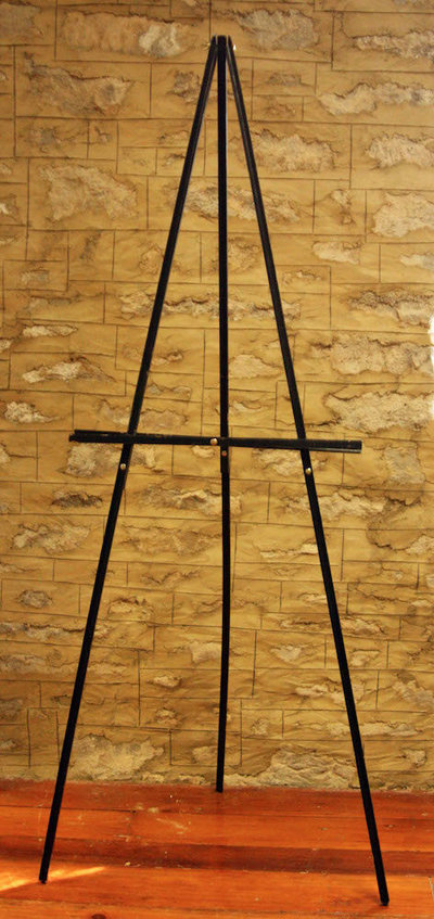 01068_BlackWoodenEasel