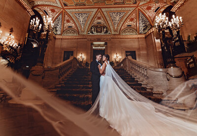 Kristen-johnny-Lauren-Ashley-Studios-Chicago-Wedding-photographerpalmer_house_wedding