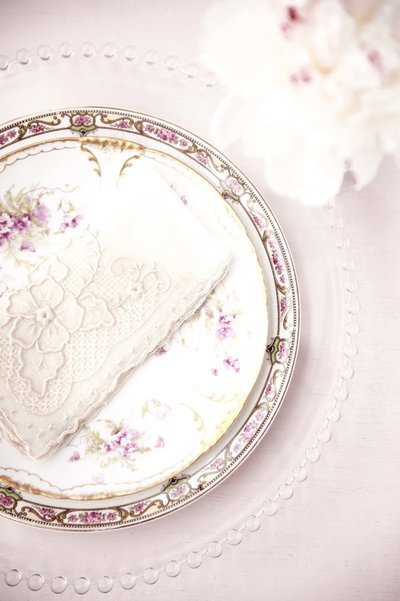 vintage-plates-wedding-vintage-rentals-hawaii