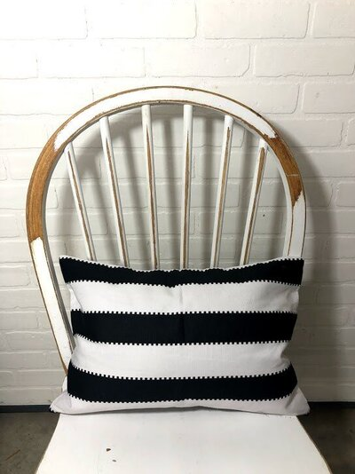 Black and white zipper stripe rect