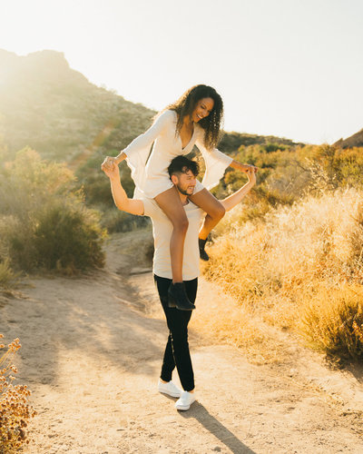 engagement photos at vasquez rocks