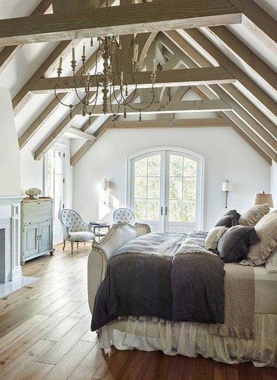 french-bedroom-truss-ceiling-purple-and-lilac-bedding