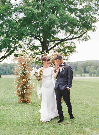 alexandra-meseke-understated-soft-luxury-wedding-upstate-ny_0112
