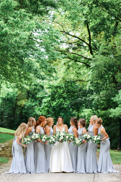 bridesmaids dresses and poses for bridal party