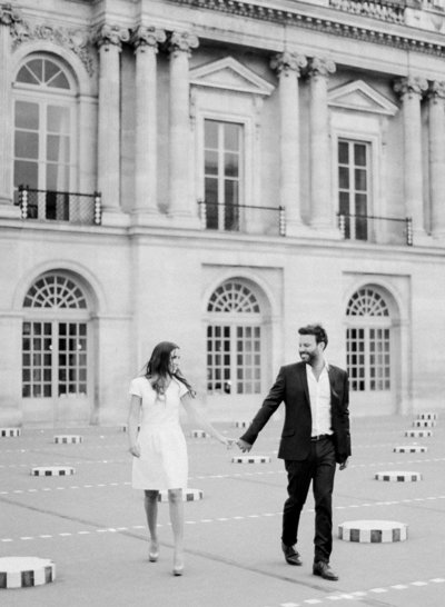 palais-royal-paris-engagement-photographer-jeanni-dunagan-17